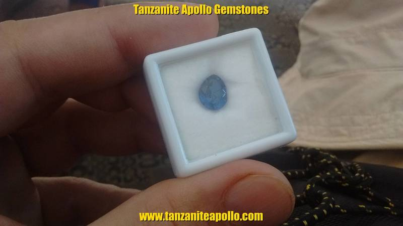 Tanzanite of oval shape