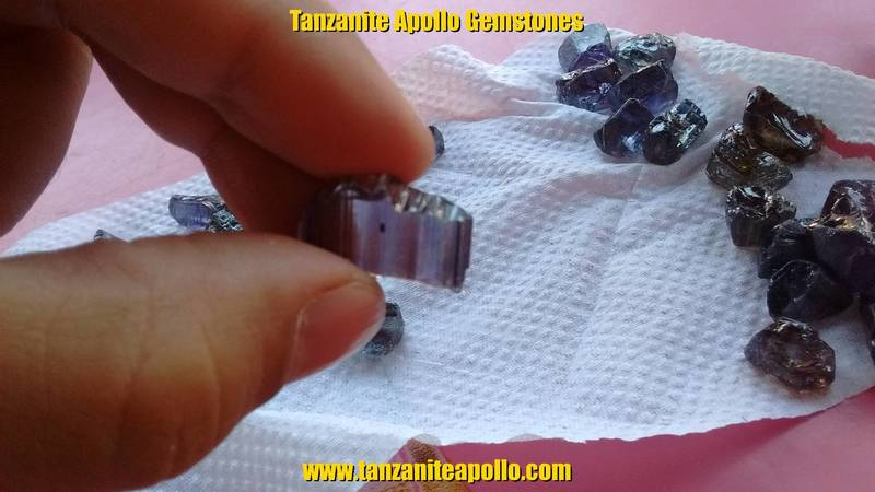 High quality rough Tanzanite gemstone